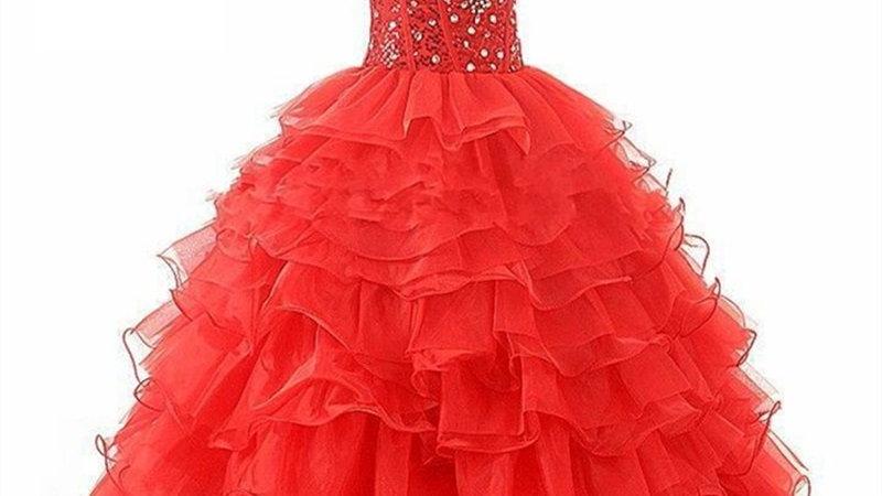 Vestido de Quinceanera de organza y piedras rojo