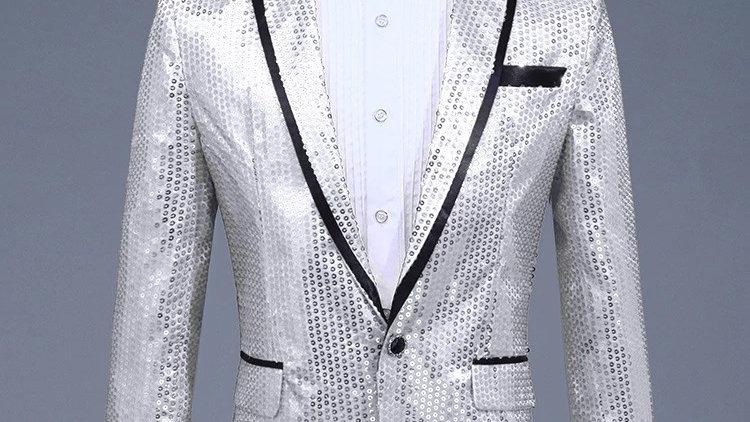 Chaqueta de lentejuela color plata en combinacion pantalon negro