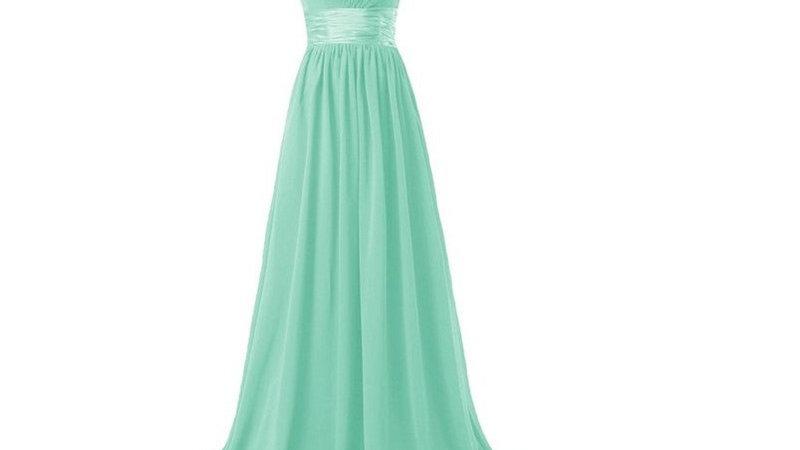 vestido de un hombro verde aqua