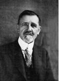 Emile BOREL, mathématicien, précurseur de l'idée européenne, membre fondateur, Président de l'Association à partir de 1927, puis Président, en 1938, de l'Union internationale des Associations pour la Société des Nations