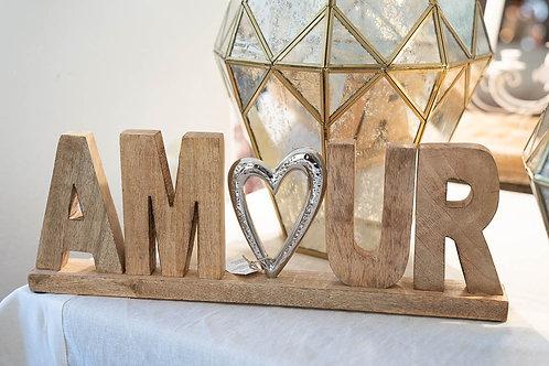 """Scritta in legno e ottone """"Amour"""""""