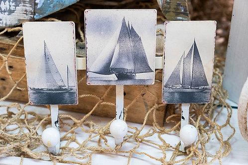 Appendino in metallo con barche a vela