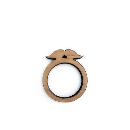 Ξύλινο δαχτυλίδι Moustache