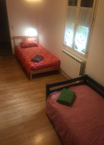 Au Chat Ronfleur Pic du Midi de Bigorre vue des lits jumeaux