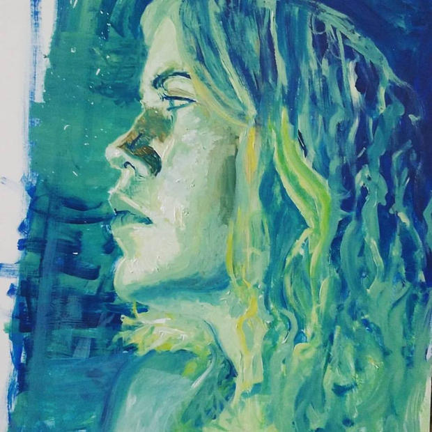 girl in blue and green