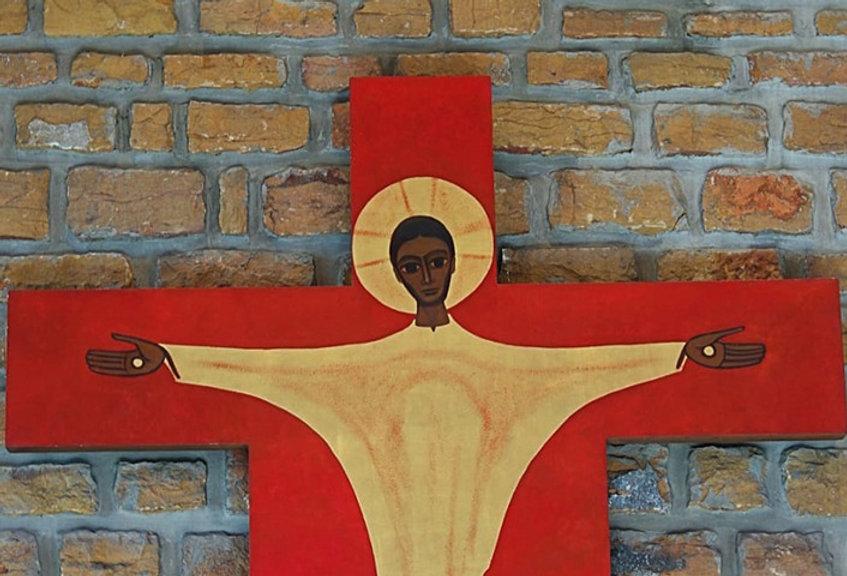 crucifix valpré croix_edited.jpg