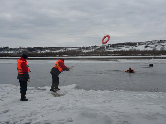 тренировка спасателей на реке.JPG
