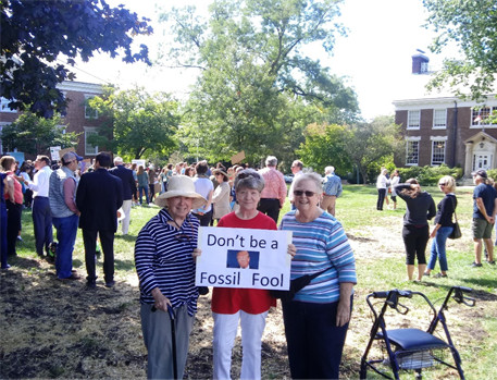 Sisters Pat Langton, Ceil Lavan, and Cely Byrnes