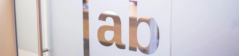 Office-021_edited.jpg