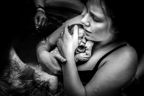 Birth Hour Photography Home waterbirth.j