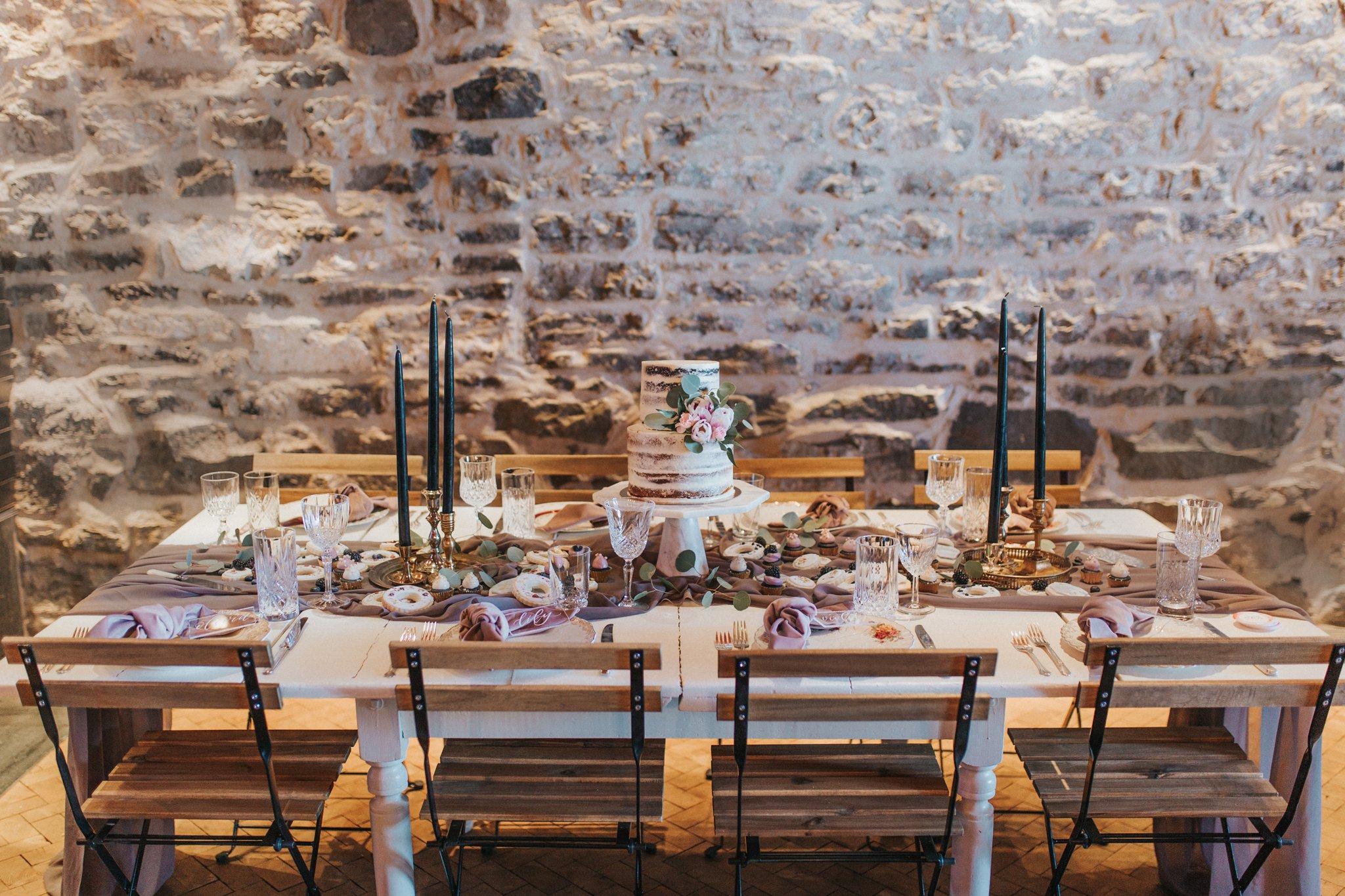 Chemin de table taupe/violet