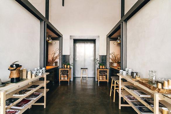 espace de travail personnalisé, décoration d'espace, bien être, beau bureau, mobilier design