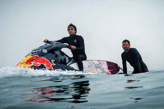 Searching Perú: Gabriel Villarán descubre olas nunca antes surfeadas. Episodio 3 de la serie