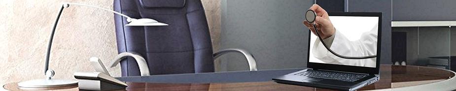 com[utrr desk.jpg
