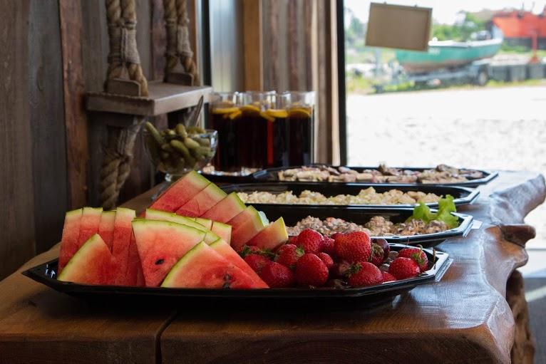 snäkid ja puuvili