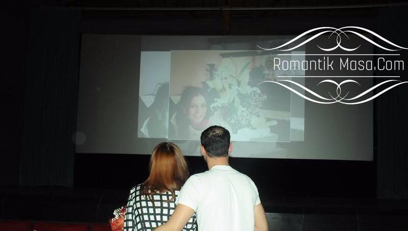 Mersin Forum İçinde Sinema Evlilik Teklifi Fikri