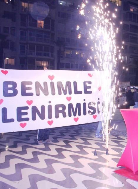 İzmir Alsancak Vapur İskelesi Evlilik Teklifi