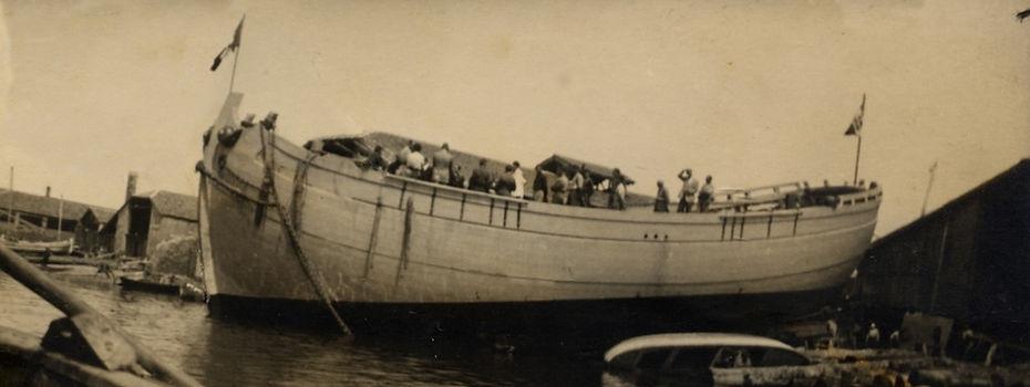 Bullo Shipyard - trabaccolo launch - 1952 - Chioggia