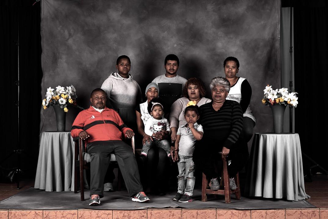 Family%20Portrait%2018_edited.jpg