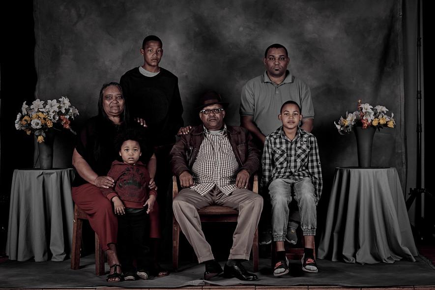 FAMILY PORTRAIT PROJECT