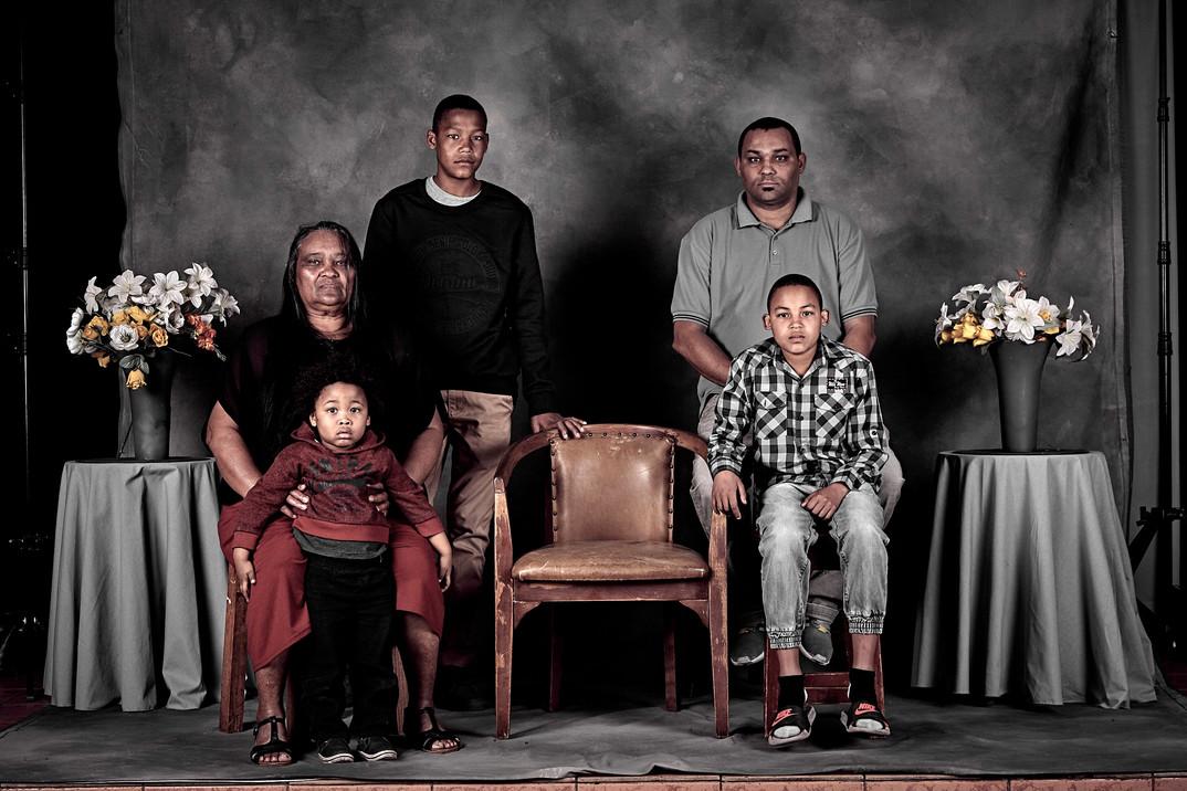 Family%20Portrait%2016_edited.jpg