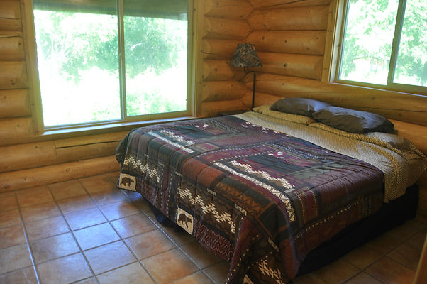 Downstairs Bedroom - Daniels Lake Cabins/Kenai Peninsula, Alaska/Vacation Rentals