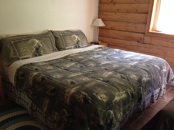 West Bedroom - Daniels Lake Cabins/Kenai Peninsula, Alaska/Vacation Rentals
