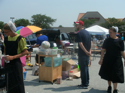 2012 09 wonderful almish customers at Dutch Country Farmers Market in Middletown.JPG