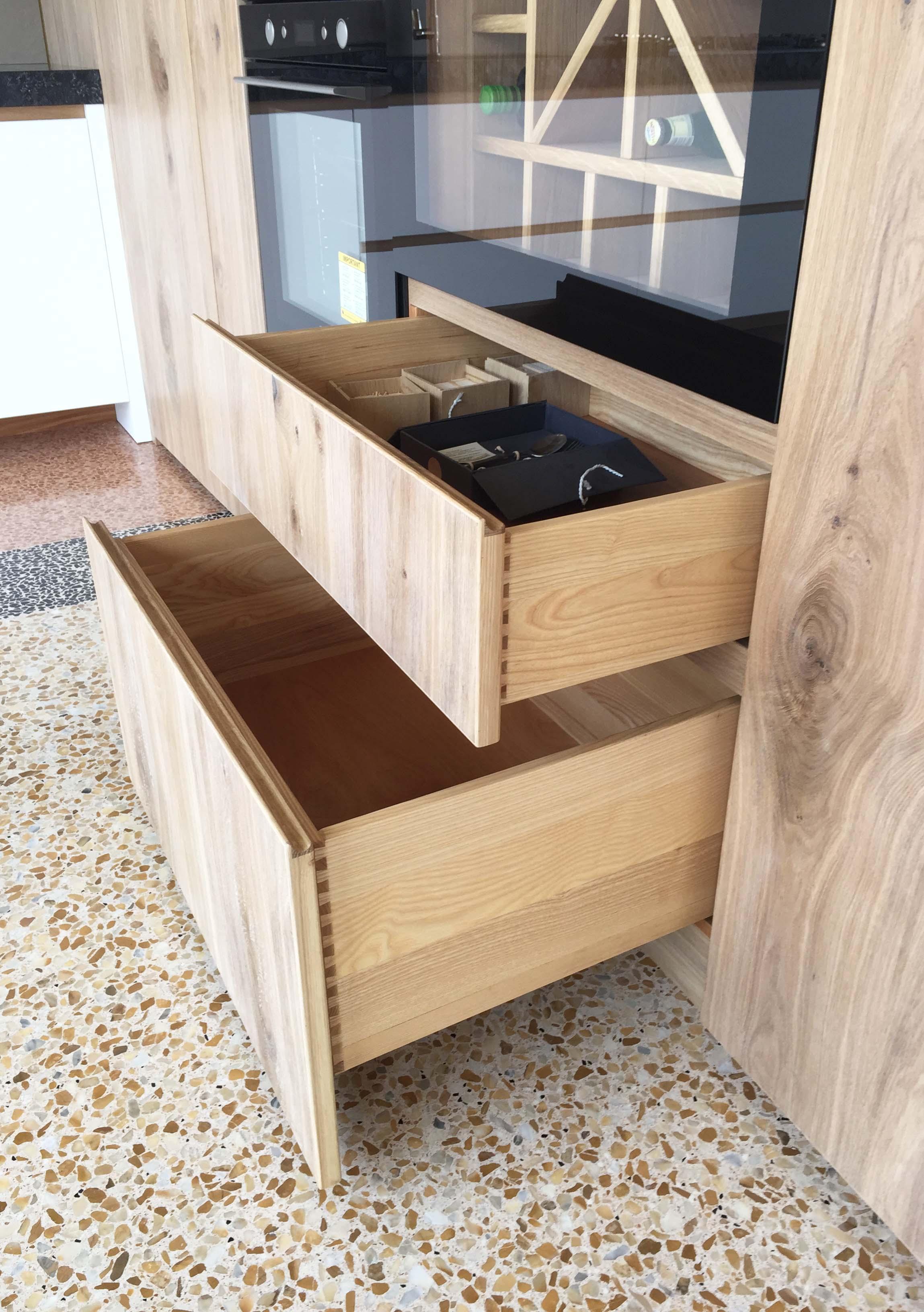 Particolare cassettoni in legno
