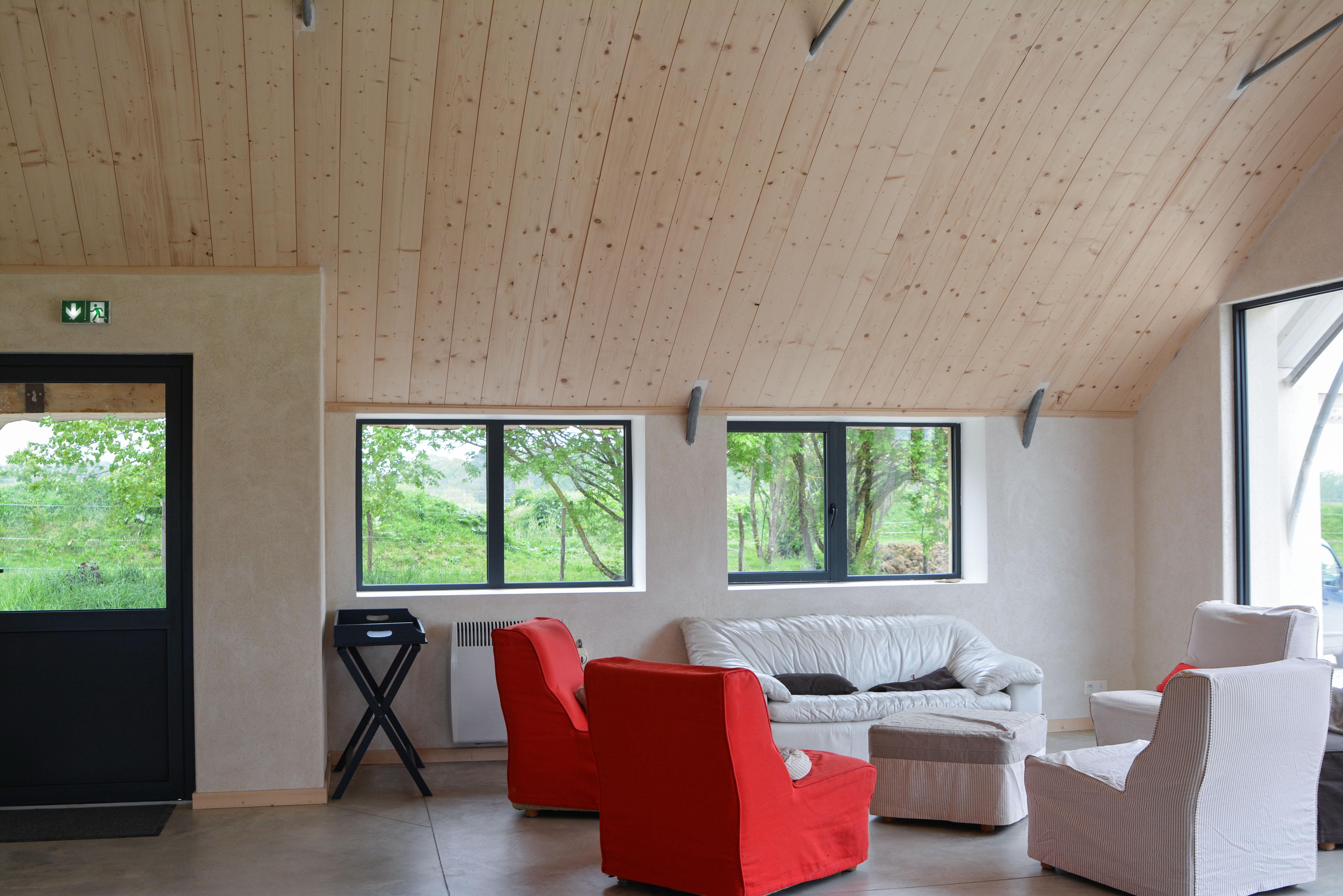 salle commune gite Cheval et nature