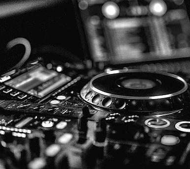 DJ-Lessons-750x500-2.jpeg
