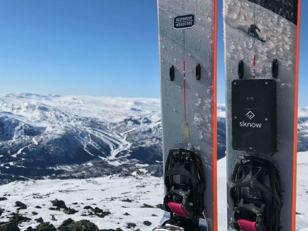 """alt=""""sknow ski avalanche smart device"""">"""