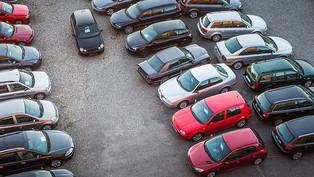 A használtautó-piac visszaesett, de az árak stabilak