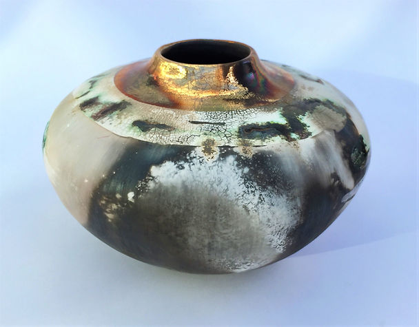 Medium round smoke-fired pot.