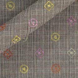 Tissu en coton à carreaux avec broderie à motifs