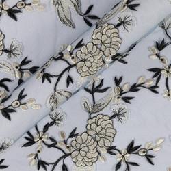 Tissu de tulle à fleurs brodées