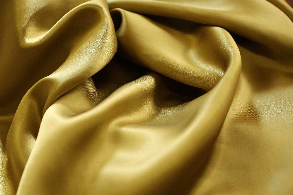 satindesoie-Tissu-vestimentaire-satin-so