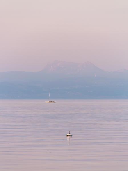 Switzerland Nyon Geneva Lake amelie.bzh.ch.JPG.jpg