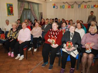 Подопечные Долгинцевского террцентра получили подарки от Андрея Гальченко