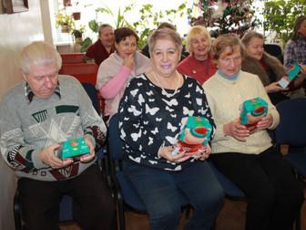 Пожилые криворожане принимали подарки и поздравления от народного депутата Андрея Гальченко