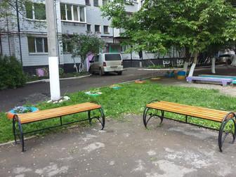 В Долгинцевском и Саксаганском районах на придомовых территориях установили новые лавочки