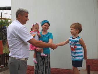 Помощь многодетным семьям школьными наборами от нардепа Андрея Гальченко
