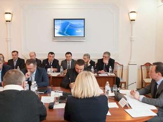 Андрей Гальченко принял участие в комитетских слушаниях по проблемам привлечения инвестиций для моде