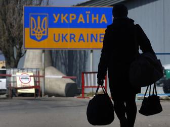 Необходимо создавать нормальные условия для жизни украинцев в своей стране, а не заставлять искать л