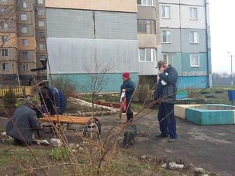 В Долгинцевском районе продолжена установка новых лавочек от Андрея Гальченко