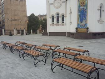 К празднику Покрова женский монастырь получил в дар новые лавочки