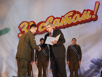 Андрей Гальченко поздравил военнослужащих в.ч. 3011 с 4-й годовщиной образования Национальной гварди