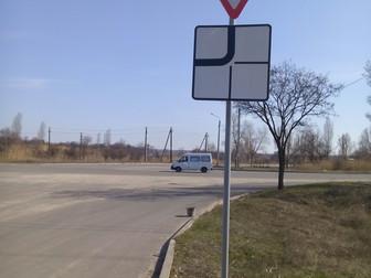 На микрорайоне Восточный-2  появились новые знаки дорожного движения