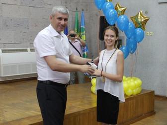 Народный депутат Украины Андрей Гальченко поздравил выпускников школ Долгинцевского и Саксаганского