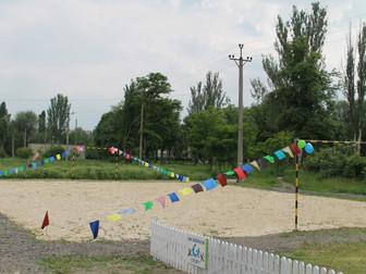 Ко Дню защиты детей на ул.Шепетовской состоялось открытие уличного футбольного поля